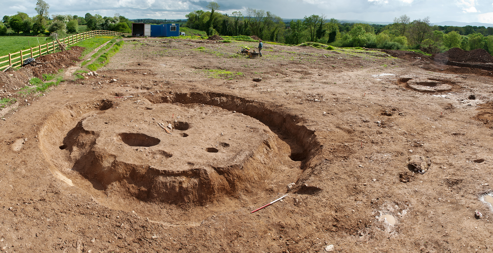 A Bronze-Age barrow excavated at Ballinacarriga on the N8 Fermoy to Mitchlestown road scheme 2007 (Eachtra/NRA/TII project)
